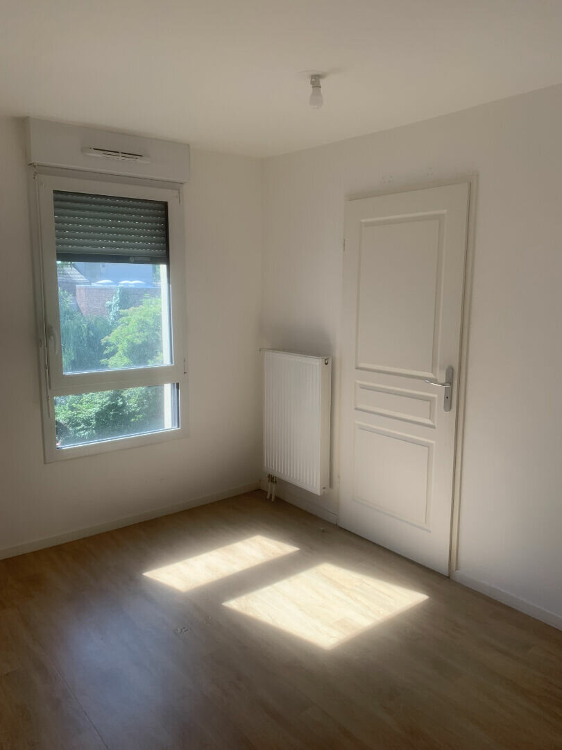 Appartement à louer 2 35.92m2 à Valenciennes vignette-3