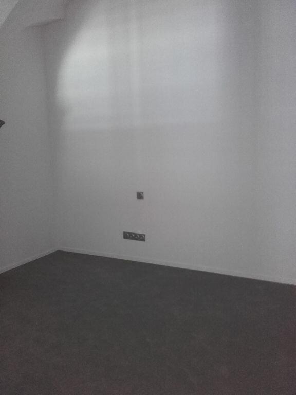 Appartement à louer 2 58m2 à Valenciennes vignette-9