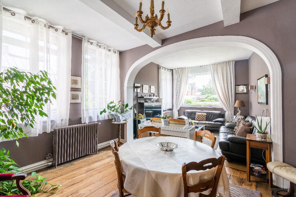Maison à vendre 6 250m2 à Valenciennes vignette-1