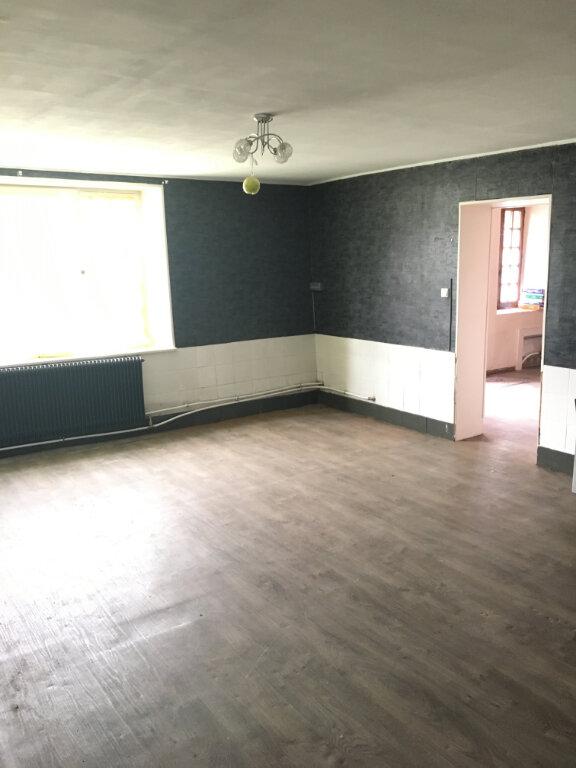 Maison à vendre 5 110m2 à Felleries vignette-2