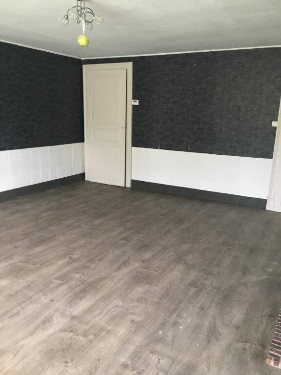 Maison à vendre 5 110m2 à Felleries vignette-4