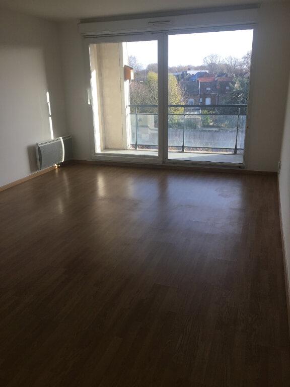 Appartement à louer 2 48.61m2 à Valenciennes vignette-1
