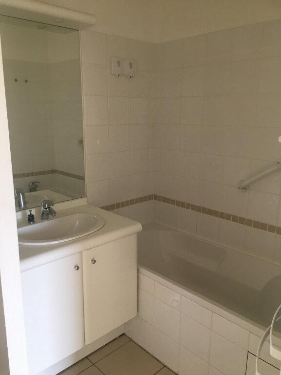 Appartement à louer 2 48.61m2 à Valenciennes vignette-3