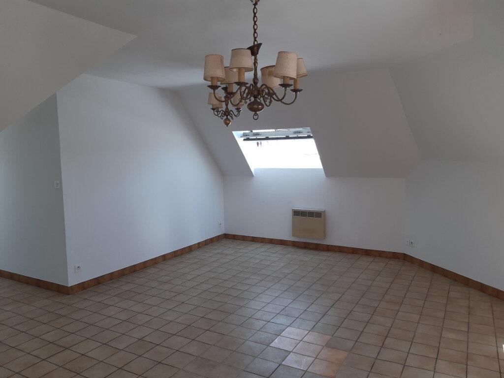 Appartement à louer 3 67.6m2 à Anzin vignette-2