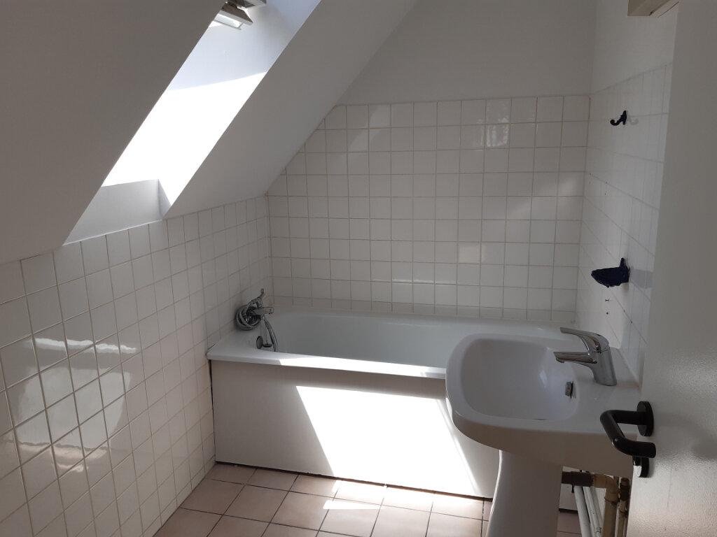 Appartement à louer 3 67.6m2 à Anzin vignette-3
