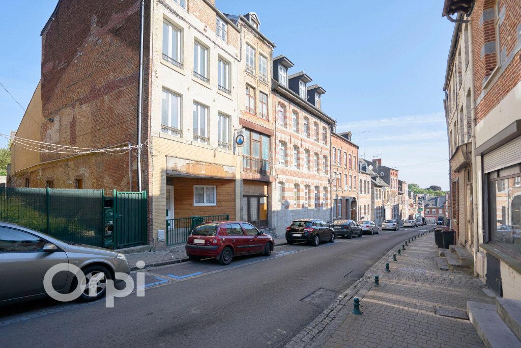 Immeuble à vendre 0 300m2 à Avesnes-sur-Helpe vignette-1