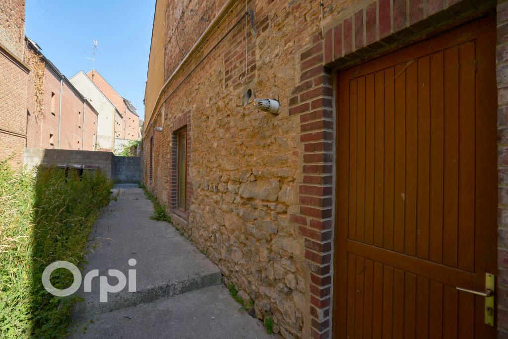 Immeuble à vendre 0 300m2 à Avesnes-sur-Helpe vignette-3