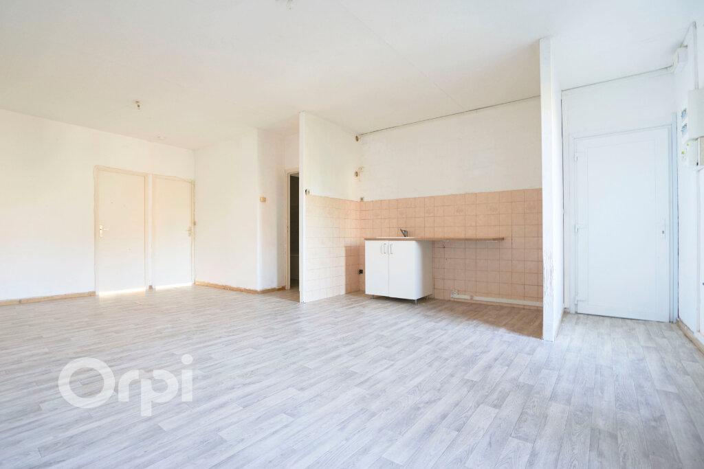 Immeuble à vendre 0 300m2 à Avesnes-sur-Helpe vignette-10