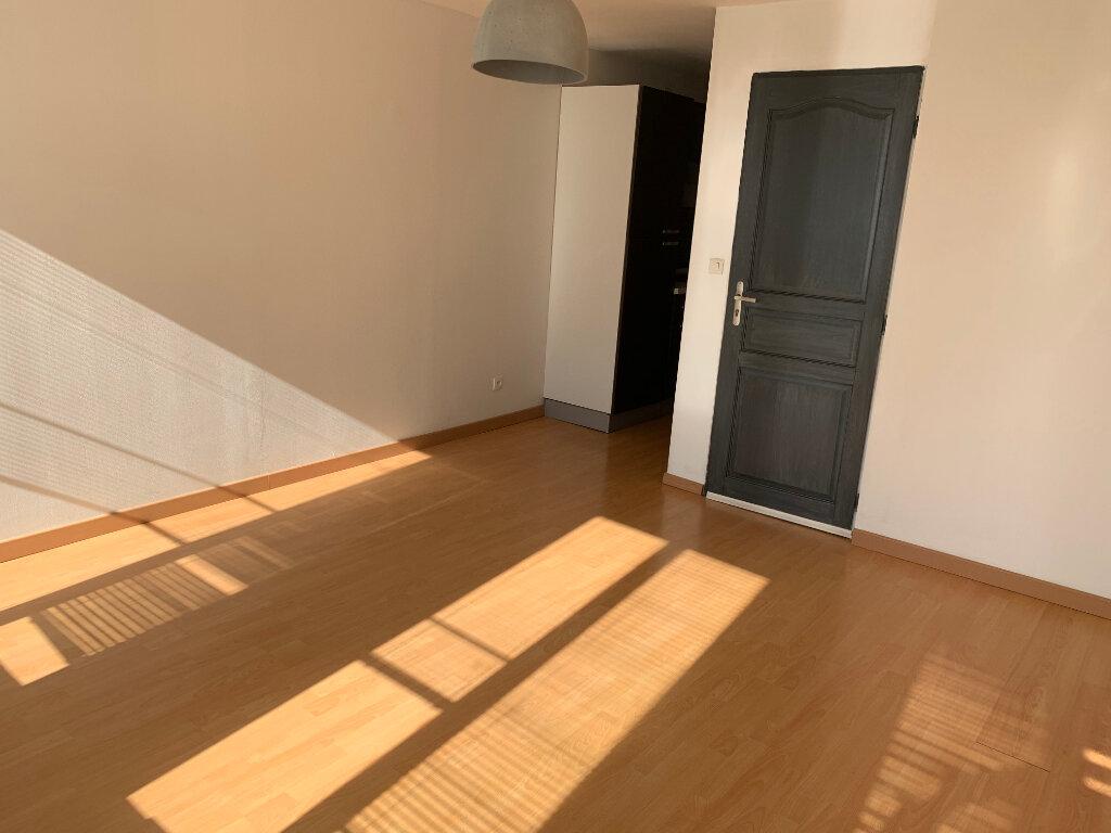 Appartement à louer 2 37.2m2 à Saint-Amand-les-Eaux vignette-2