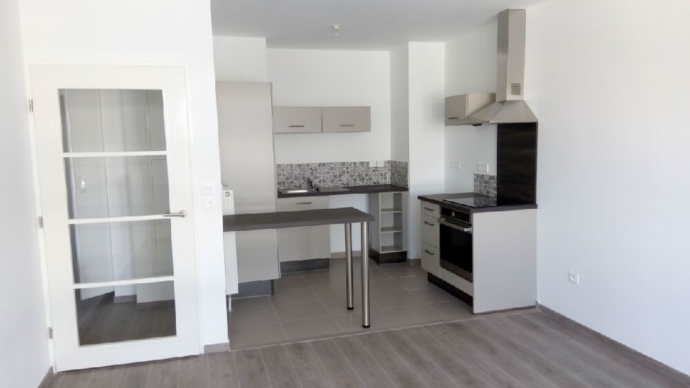 Appartement à louer 2 49.2m2 à Valenciennes vignette-1