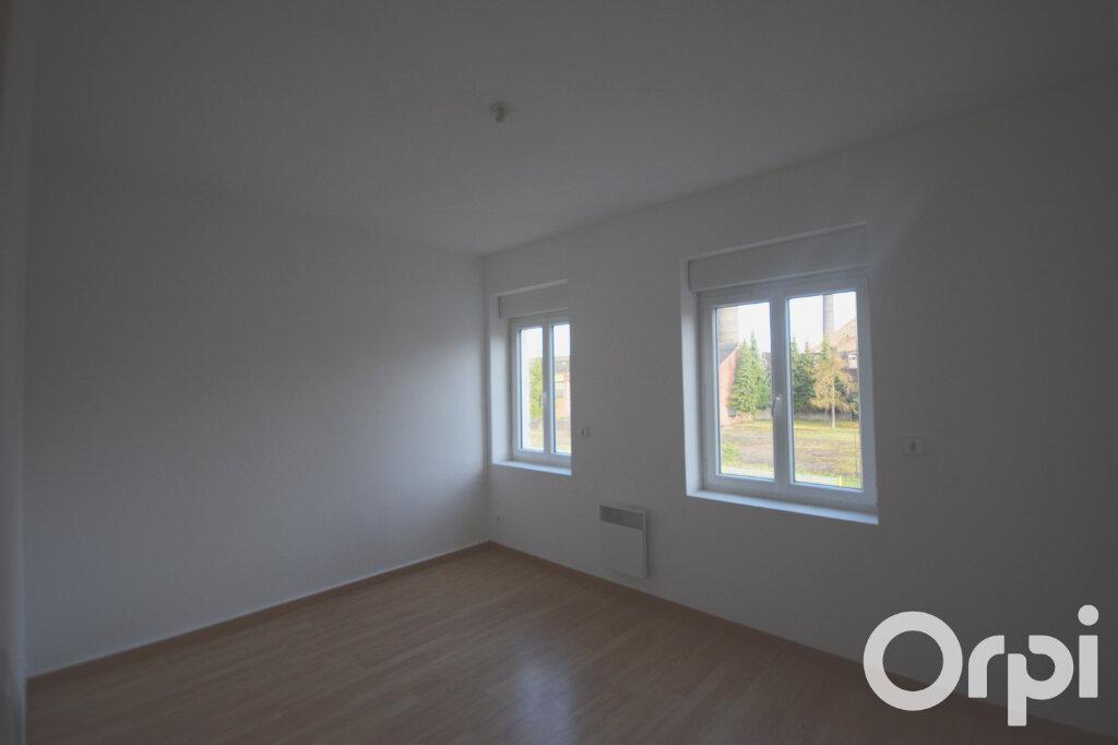 Maison à louer 4 54.33m2 à Thun-Saint-Amand vignette-5