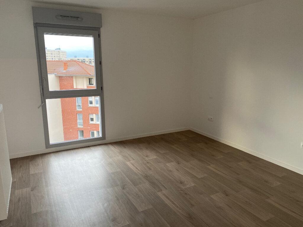 Appartement à louer 4 82.46m2 à Valenciennes vignette-4