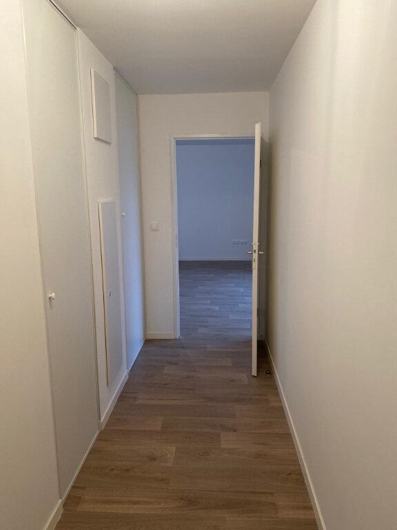 Appartement à louer 4 82.46m2 à Valenciennes vignette-5