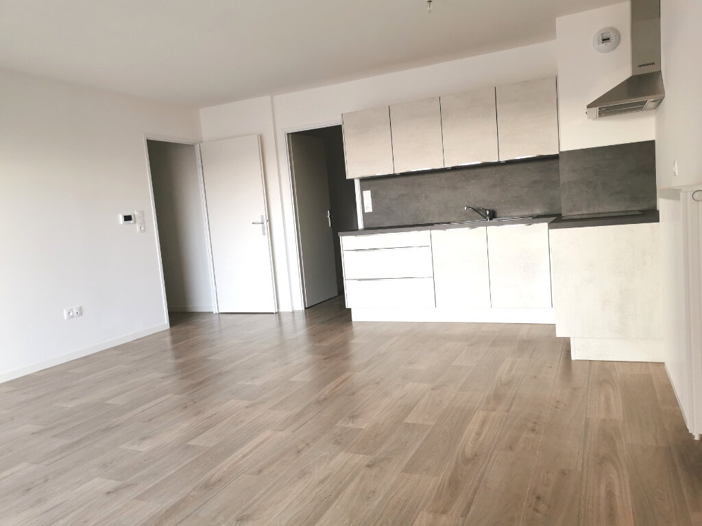 Appartement à louer 4 82.46m2 à Valenciennes vignette-8