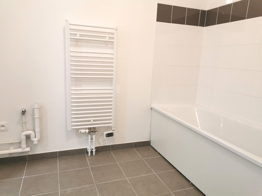 Appartement à louer 4 82.46m2 à Valenciennes vignette-11
