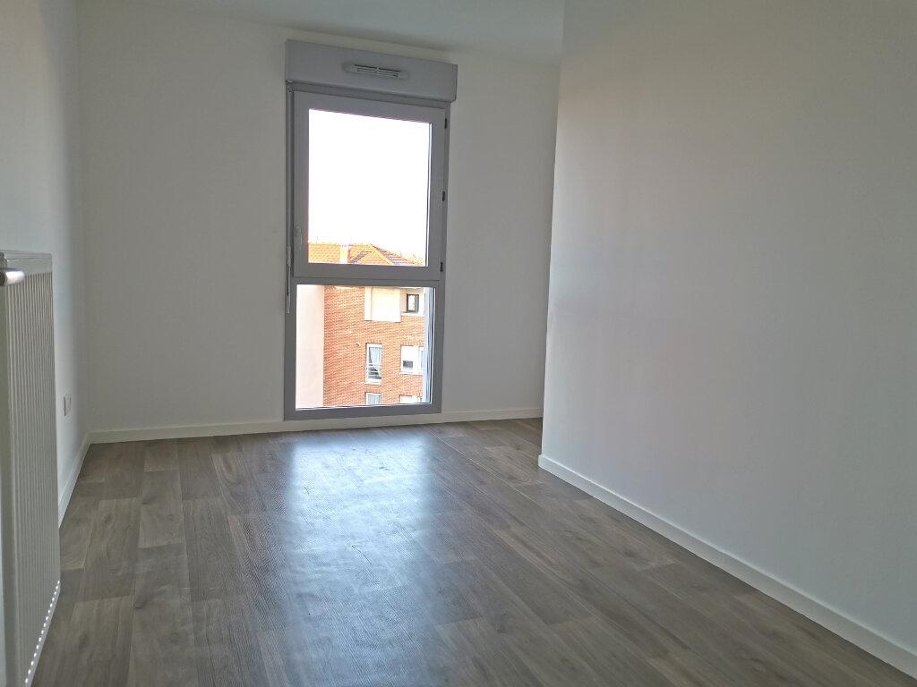 Appartement à louer 4 82.46m2 à Valenciennes vignette-13