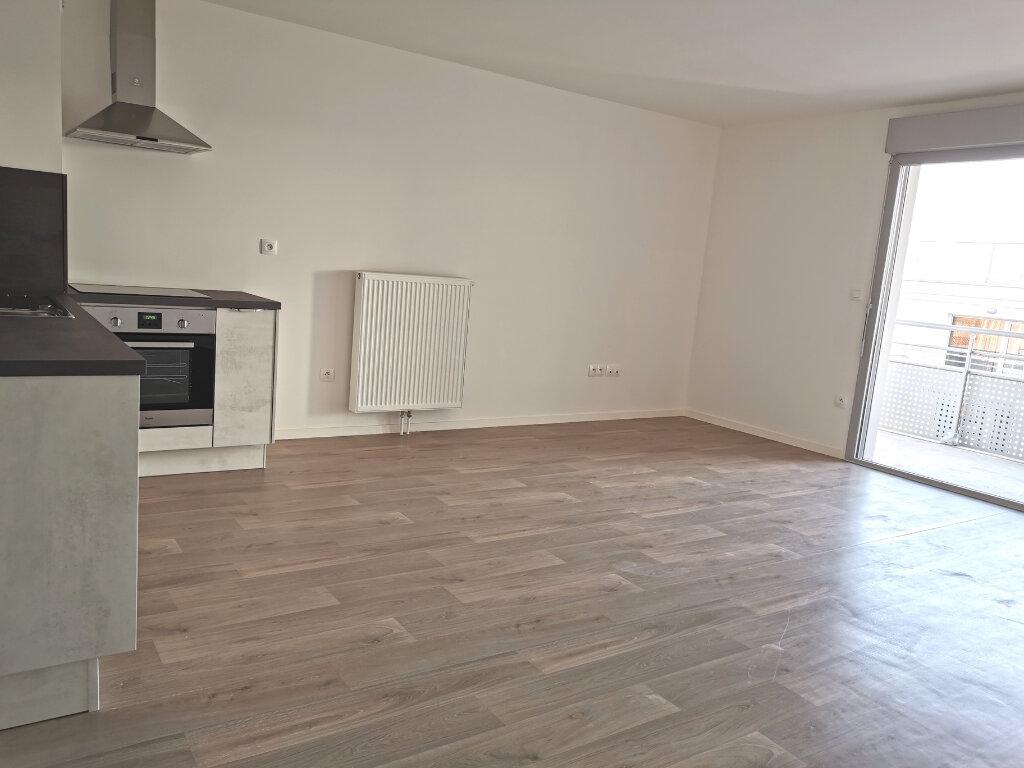 Appartement à louer 4 82.46m2 à Valenciennes vignette-15