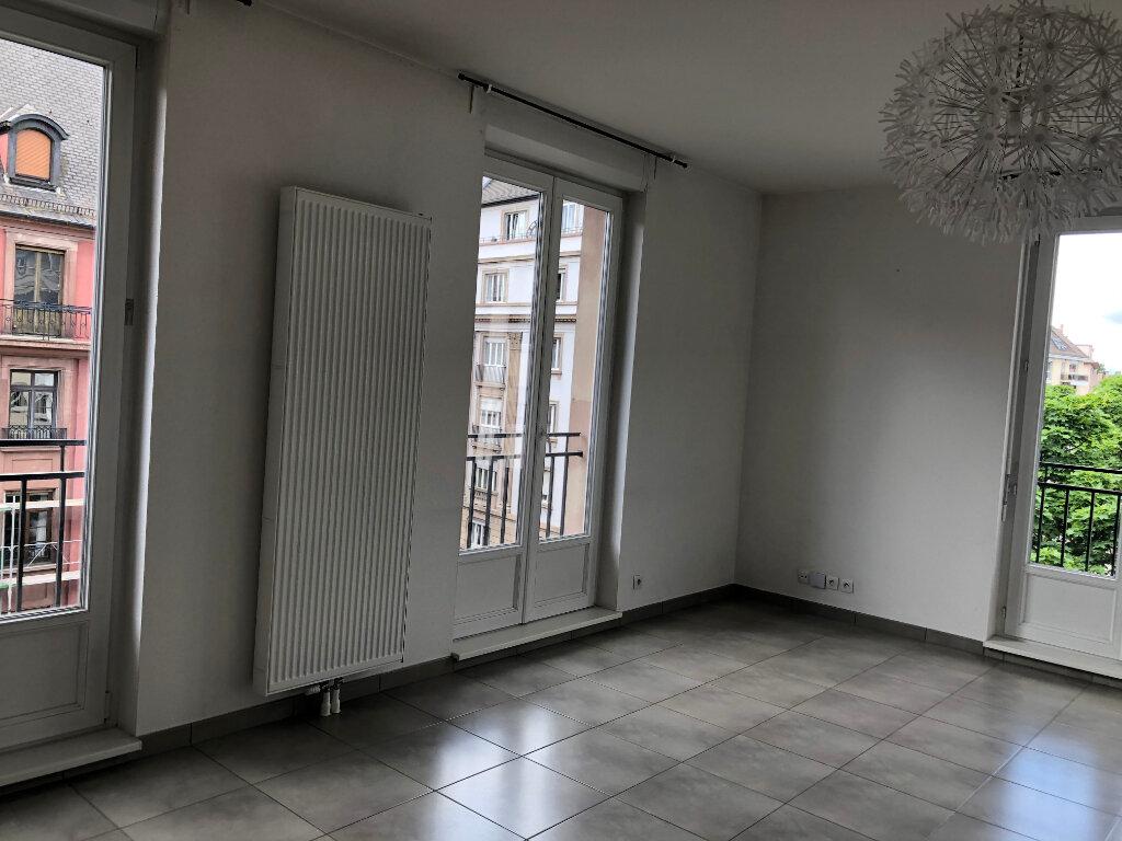 Appartement à louer 2 46m2 à Strasbourg vignette-2