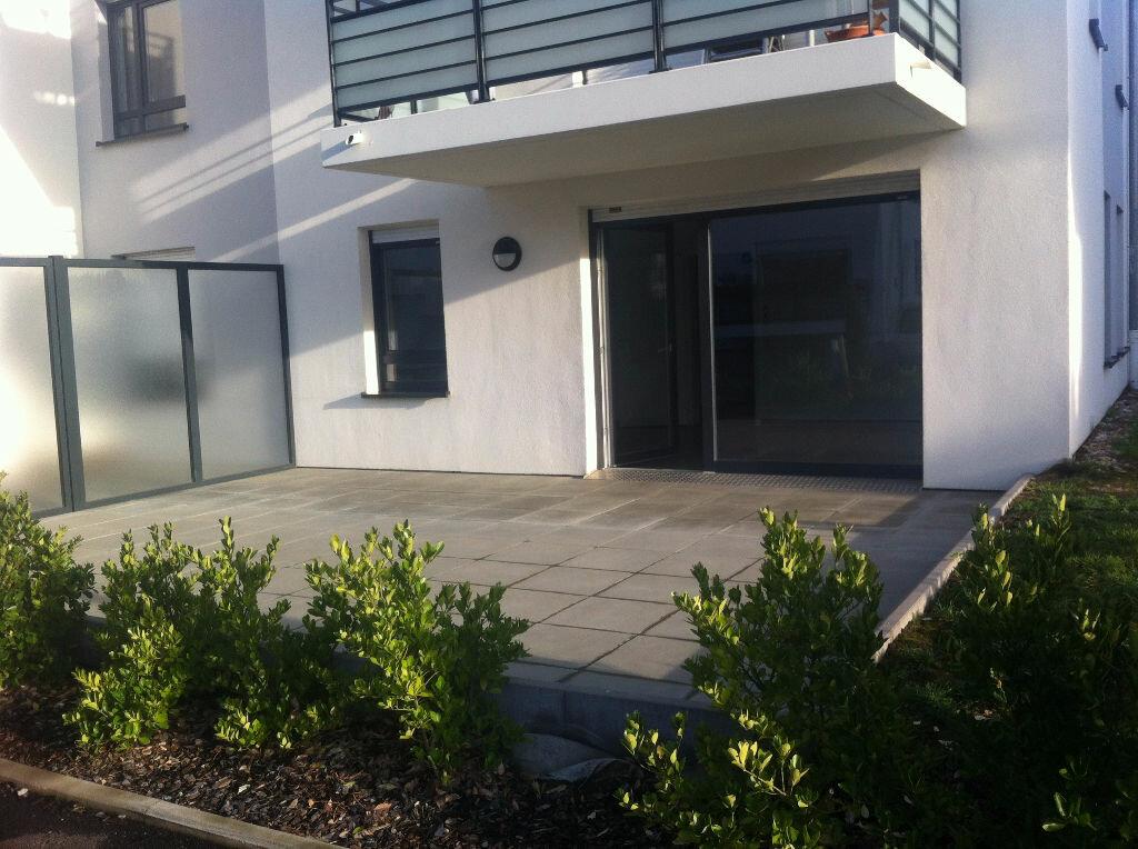 Appartement à louer 3 66.18m2 à Hoenheim vignette-1