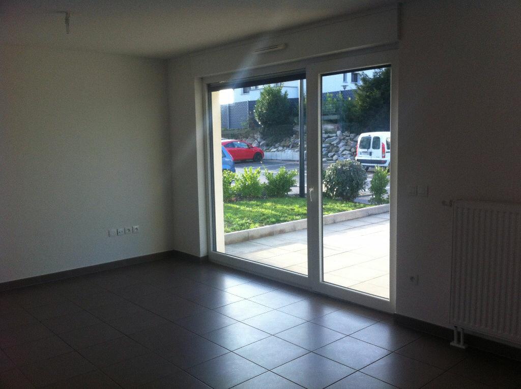 Appartement à louer 3 66.18m2 à Hoenheim vignette-3