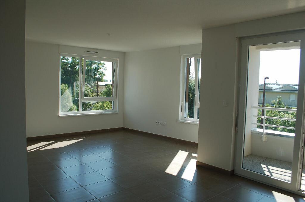 Appartement à louer 3 69.75m2 à Ostwald vignette-2