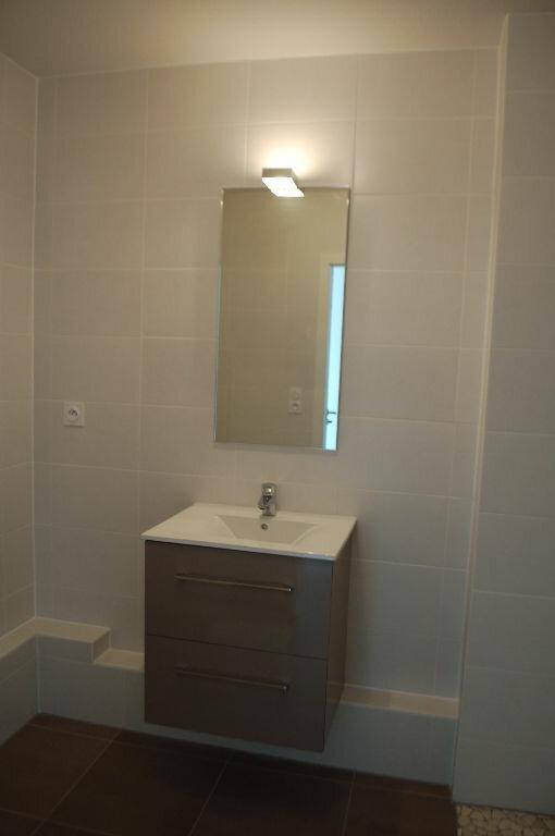 Appartement à louer 3 69.75m2 à Ostwald vignette-5