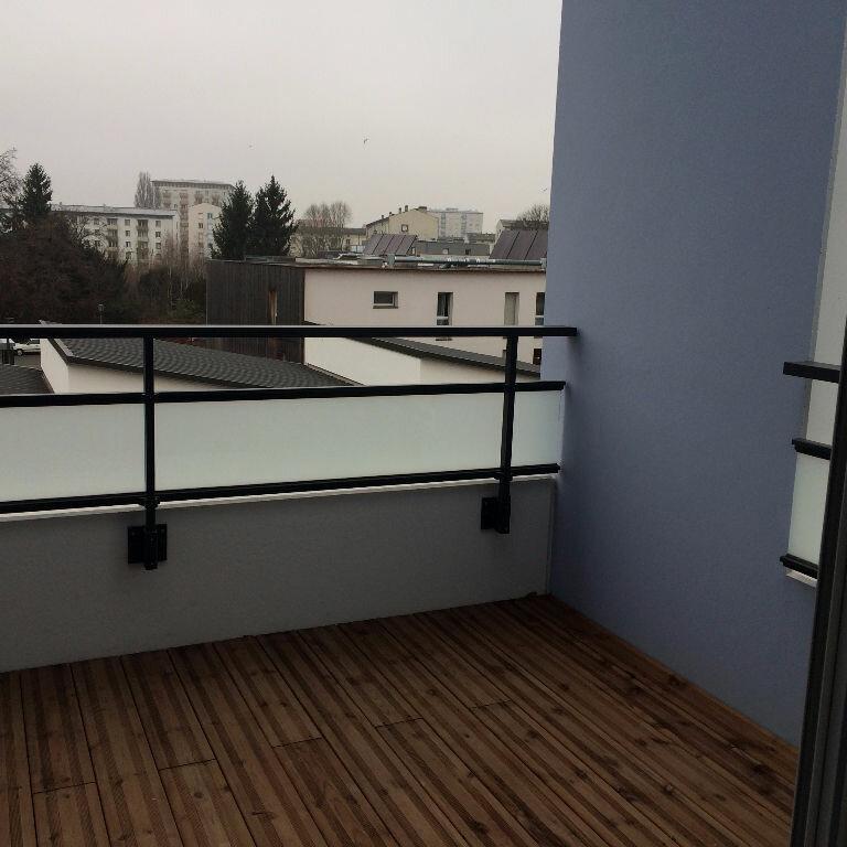 Appartement à louer 3 62.41m2 à Strasbourg vignette-6