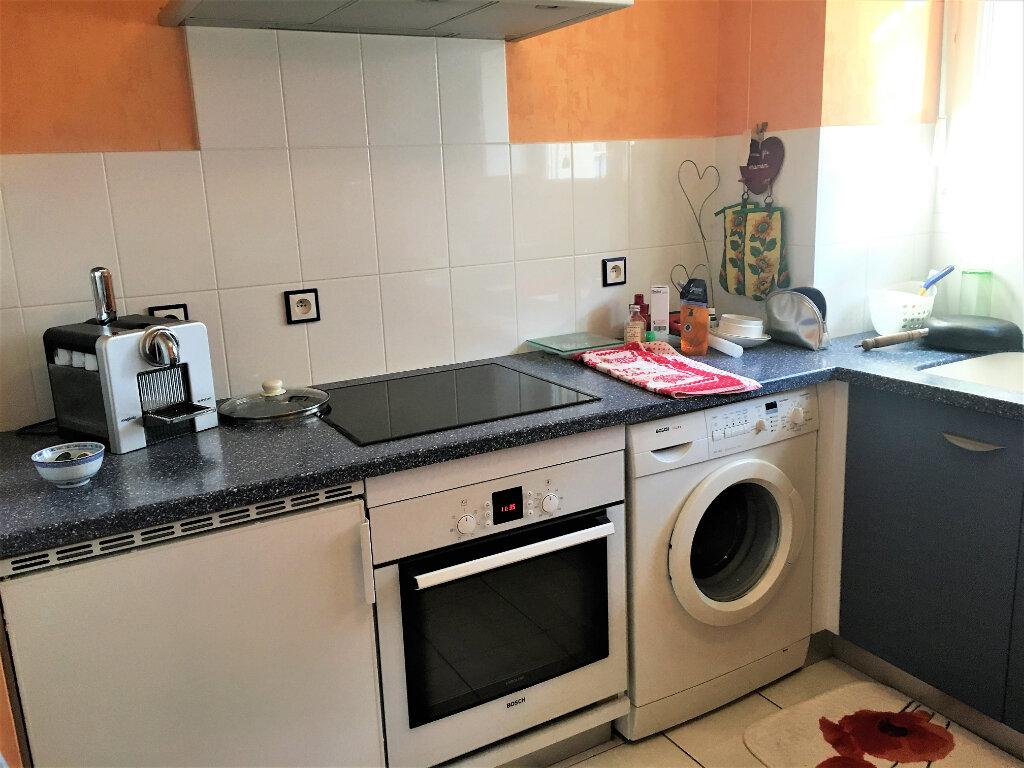 Appartement à louer 3 65m2 à Illkirch-Graffenstaden vignette-2