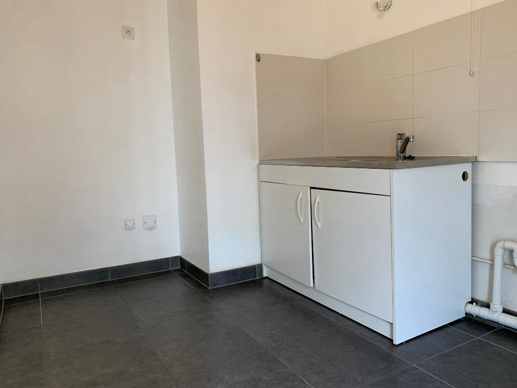 Appartement à louer 3 64.69m2 à Strasbourg vignette-2