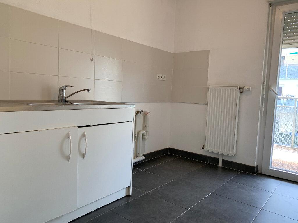 Appartement à louer 3 64.69m2 à Strasbourg vignette-3