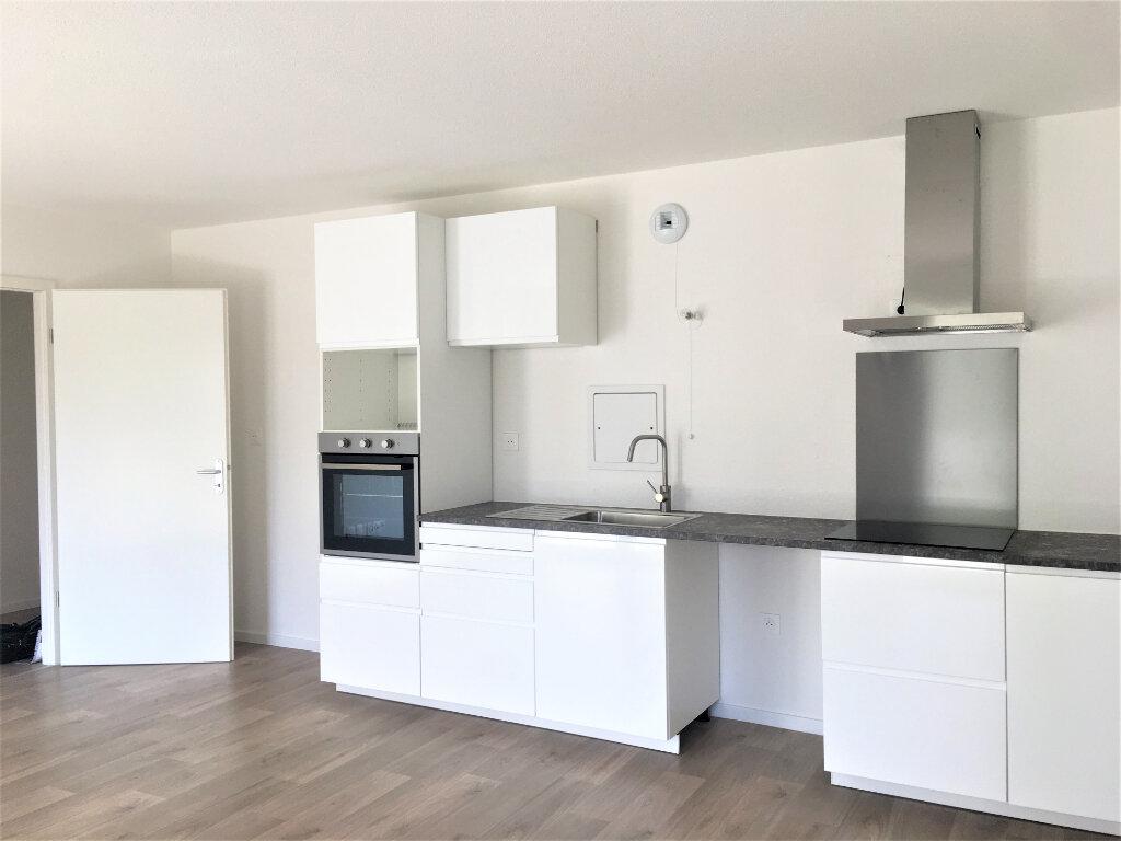 Appartement à louer 3 61.96m2 à Lingolsheim vignette-2