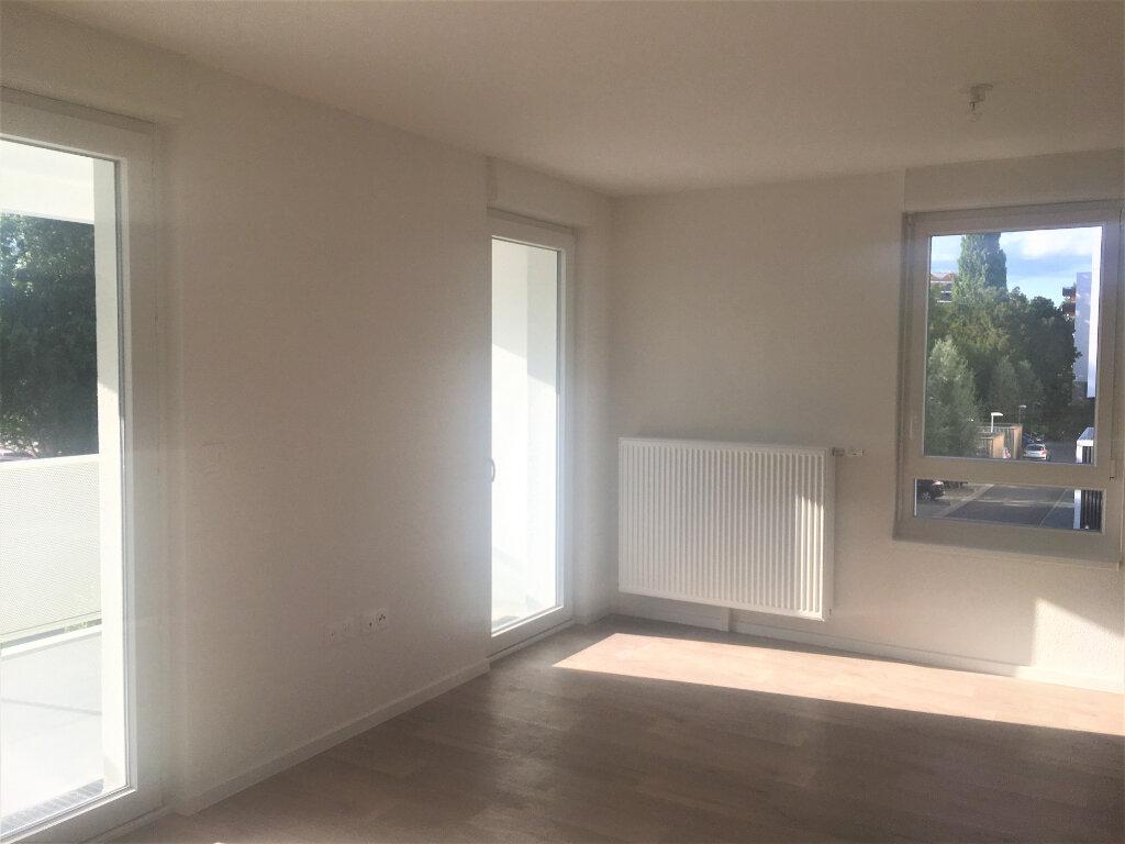 Appartement à louer 3 61.87m2 à Lingolsheim vignette-3