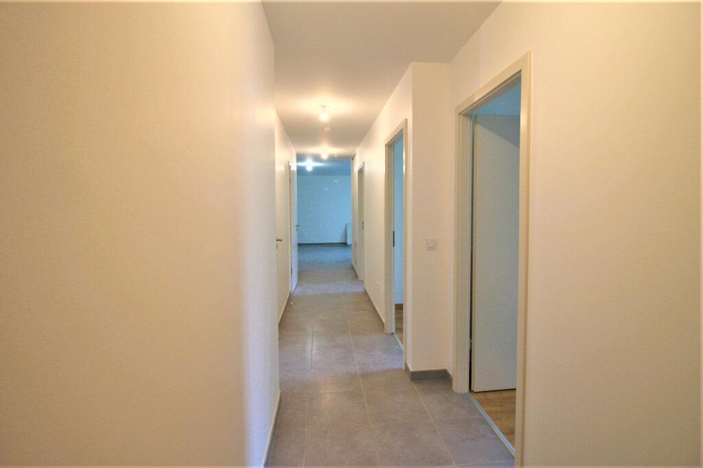 Appartement à louer 4 79m2 à Bischheim vignette-11
