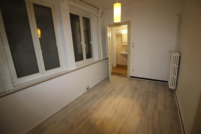 Appartement à louer 2 31.06m2 à Strasbourg vignette-3