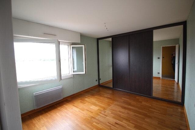 Appartement à louer 5 103.16m2 à Hoenheim vignette-6