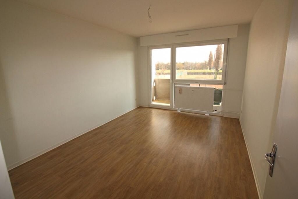 Appartement à louer 3 71m2 à Strasbourg vignette-2