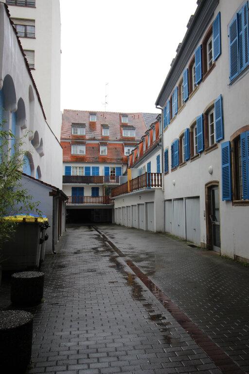 Appartement à louer 2 31m2 à Strasbourg vignette-9
