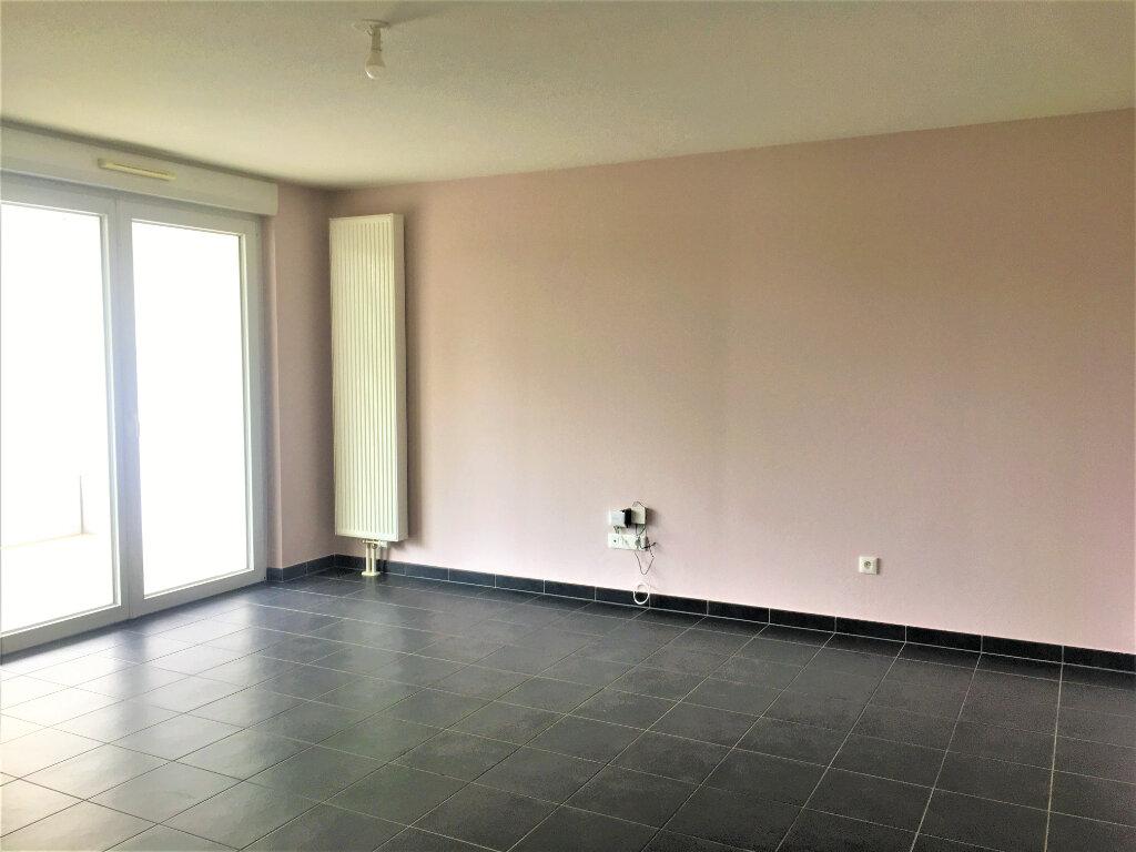 Appartement à louer 3 59.84m2 à Bischheim vignette-2