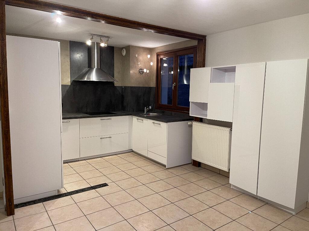 Appartement à louer 3 61.9m2 à Entzheim vignette-1