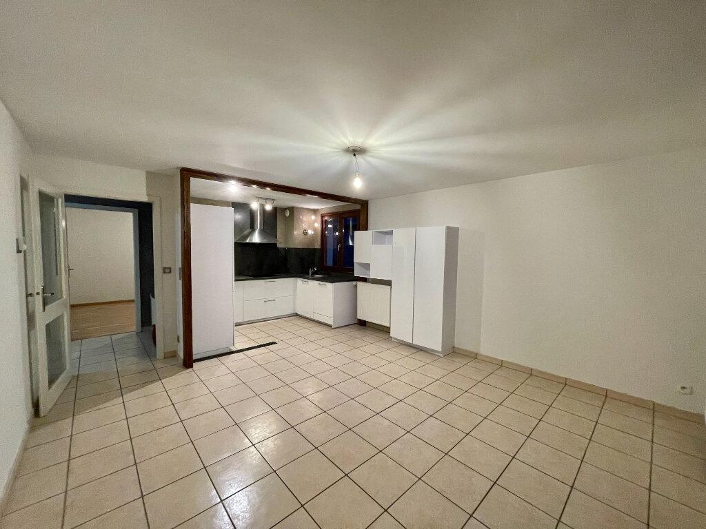 Appartement à louer 3 61.9m2 à Entzheim vignette-2