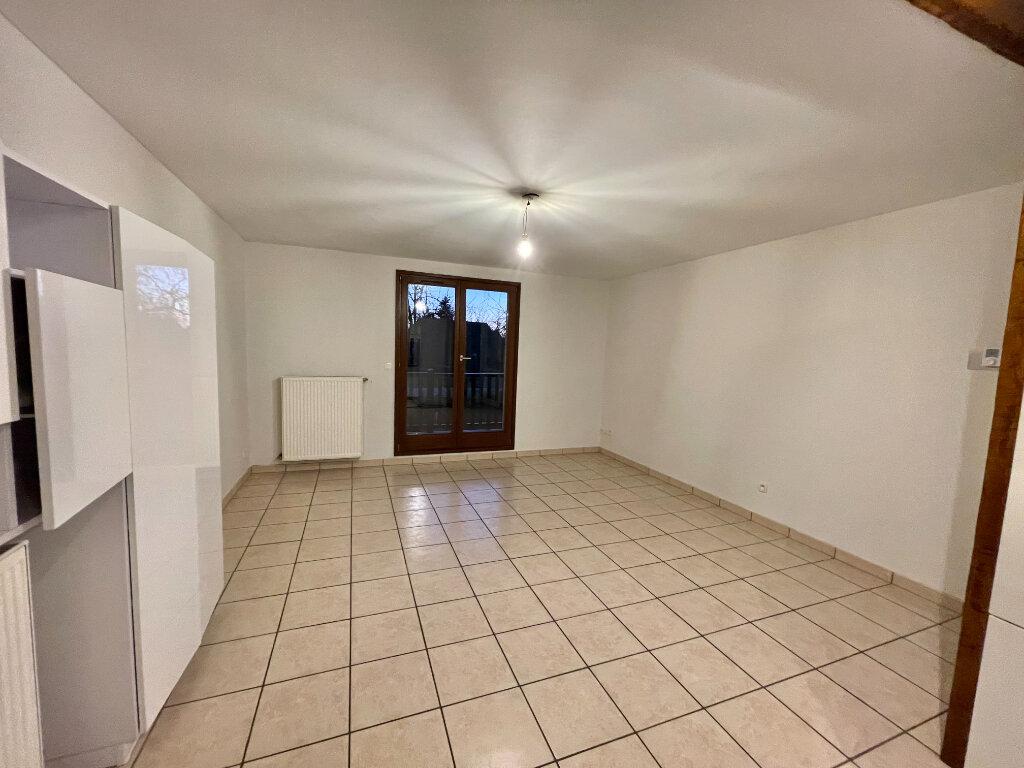 Appartement à louer 3 61.9m2 à Entzheim vignette-3