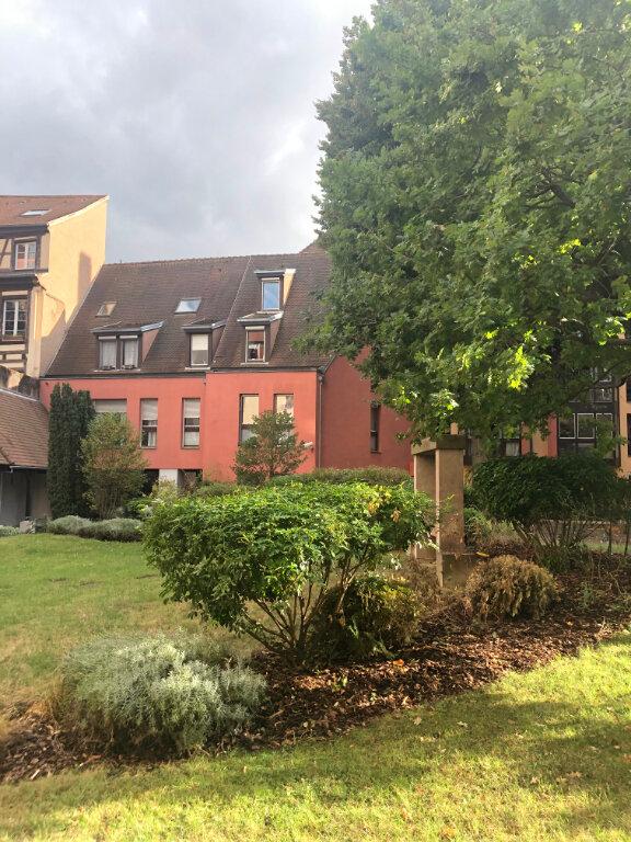 Appartement à louer 2 61.5m2 à Strasbourg vignette-1