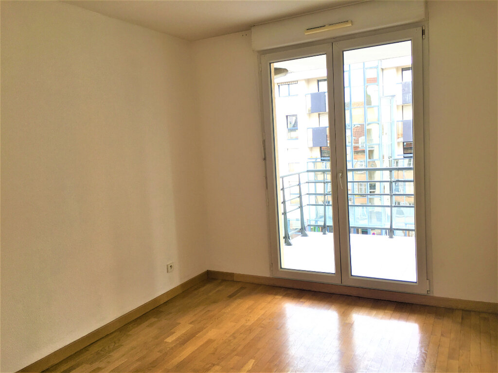 Appartement à louer 3 77m2 à Strasbourg vignette-6