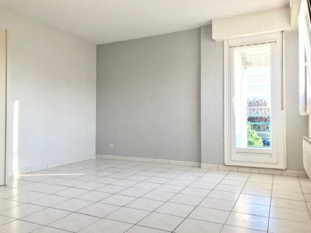 Appartement à louer 3 69.2m2 à Haguenau vignette-1
