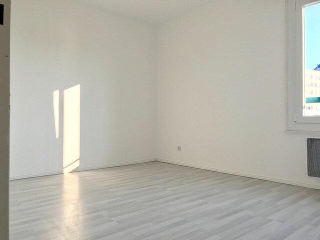Appartement à louer 3 69.2m2 à Haguenau vignette-5