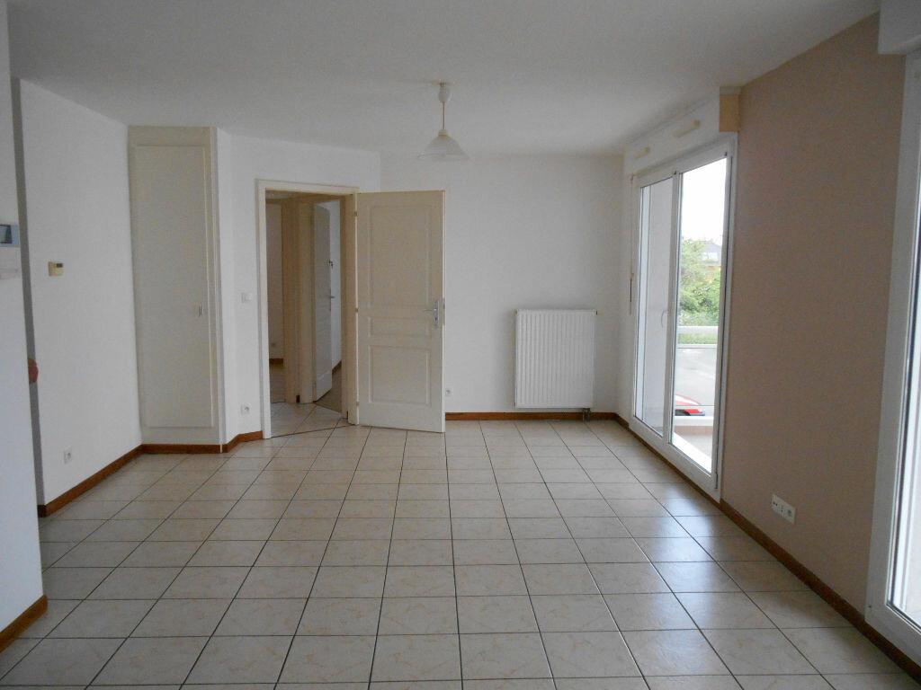 Appartement à louer 3 57.32m2 à Erstein vignette-1