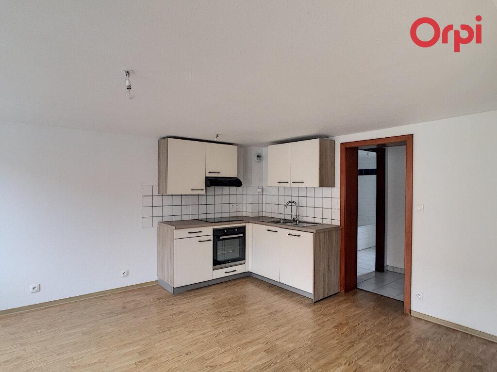 Appartement à louer 3 74.49m2 à Erstein vignette-2