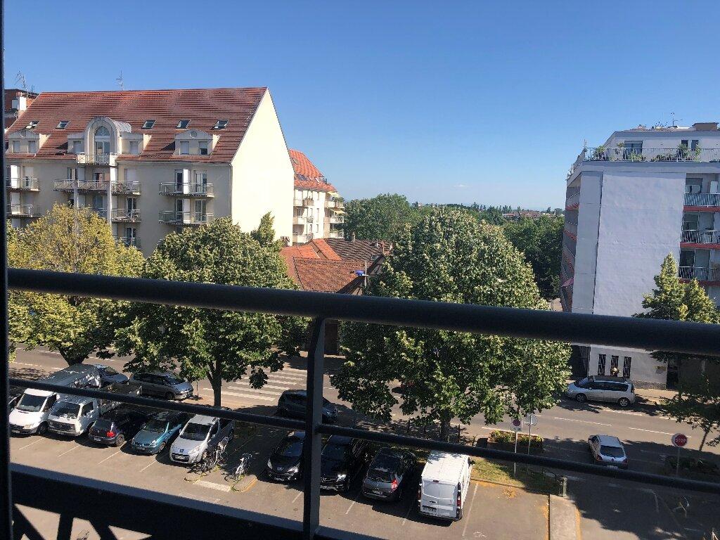 Appartement à louer 1 33m2 à Strasbourg vignette-3