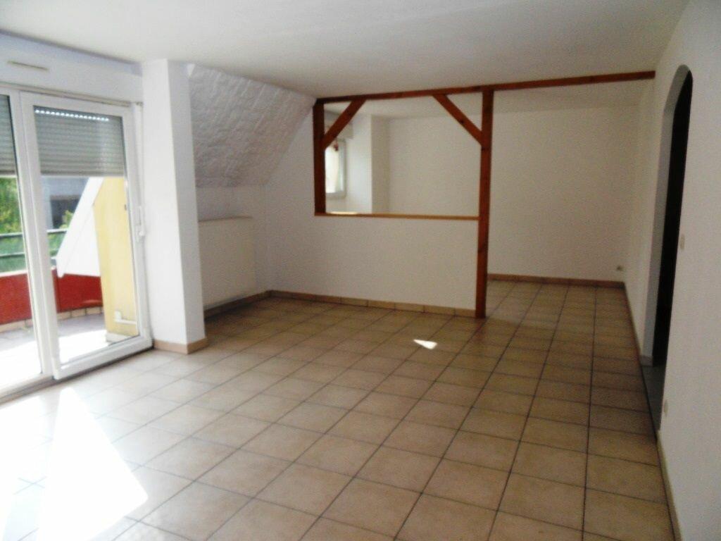Appartement à louer 4 83.53m2 à Schiltigheim vignette-1