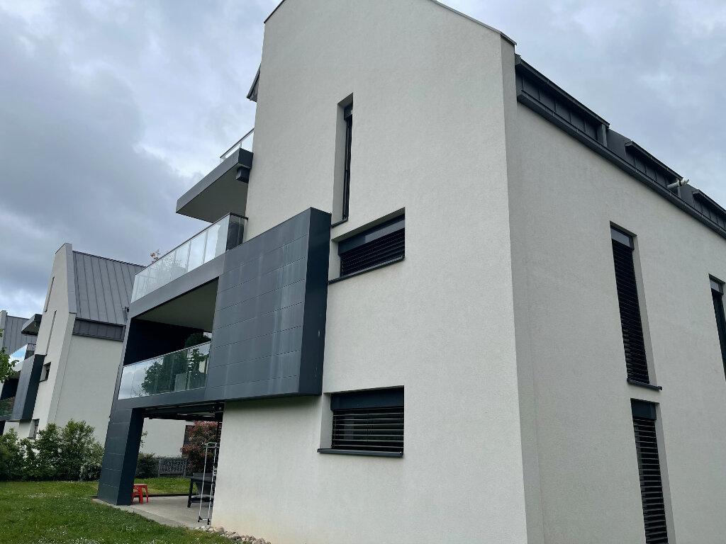 Appartement à louer 3 69.75m2 à Niederhausbergen vignette-1